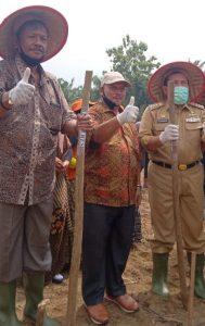 Jhon Sabar Manik GM PT .Torganda hadiri Gerakan Tanam Bersama Jagung Hibrida 2020