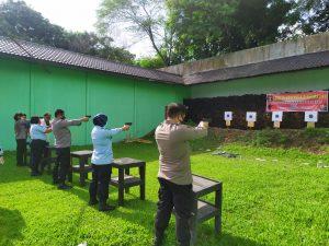 Asah Kemampuan 2 Instansi Latihan Menembak Bersama Rutan Perempuan Kelas II A Medan Dan Polsek Medan Helvetia.