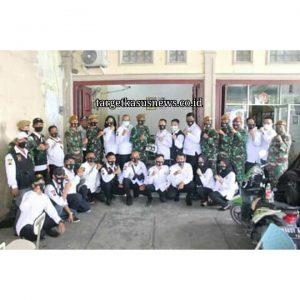 Bentuk Kepedulian Kepada Masyarakat, Danyonarmed 2/105 Menghadiri Kegiatan Pokdar Kamtibmas Sumut Bagikan Masker