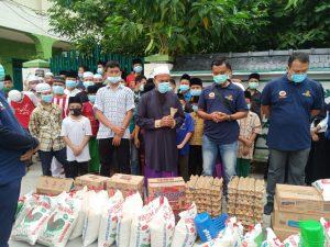 Alumni SIP Reg Angkatan 43 Resimen WTD Polda Sumut, Berikan Sumbangan Paket sembako, kepada Dua Yayasan Panti Asuhan.