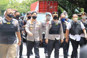 Tinjau Ledakan Bom Depan Gereja Katedral Makassar, Kapolda Sulsel: Ledakan ini Berjenis High Eksplosif