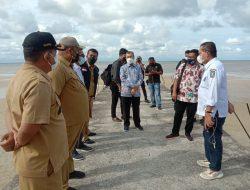 Gubernur Riau H.Syamsuar Membawa Investor Dari Kepri Ke Pantai Lapin Utara