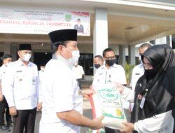 Bupati Rohul Launching Perdana Penyerahan Boreh Sawah ke PNS