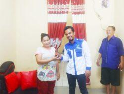 Mpuh Sembiring Berikan Minyak Kudus Kepada Ibu Gea Melalui PMKM Prima Indonesia DPC Kota Medan